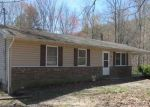 Foreclosed Home in Oakdale 37829 236 CRAB ORCHARD CEMETERY RD - Property ID: 4138915