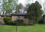 Foreclosed Home in Oak Park 48237 24331 ONEIDA ST - Property ID: 4142765