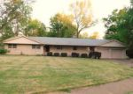 Foreclosed Home in Carbondale 62901 1305 W FREEMAN ST - Property ID: 4142878