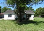 Foreclosed Home in Pasadena 77503 2718 BEVERLY RD - Property ID: 4143693
