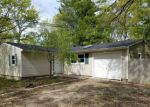 Foreclosed Home in Mastic 11950 55 TONOPAN ST - Property ID: 4146957