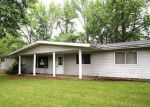 Foreclosed Home in Mount Vernon 62864 17603 E FAIRFIELD RD - Property ID: 4147466
