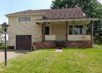 Foreclosed Home in Massillon 44646 2627 OAKVIEW ST NW - Property ID: 4148308