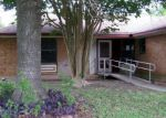 Foreclosed Home in Cibolo 78108 108 DOBIE BLVD - Property ID: 4148855