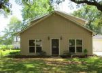 Foreclosed Home in New Iberia 70560 220 WILREE DR - Property ID: 4149133