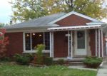 Foreclosed Home in Harper Woods 48225 19941 ANITA ST - Property ID: 4150466