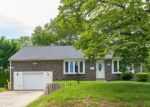 Foreclosed Home in Broomall 19008 2 OXFORD CIR - Property ID: 4154335