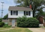Foreclosed Home in Southfield 48075 18332 WESTHAVEN AVE - Property ID: 4154759