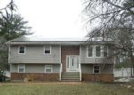 Foreclosed Home in Smithtown 11787 92 GRASSY POND DR - Property ID: 4155581
