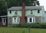 Foreclosed Home in Maple Shade 8052 105 W MILL RD - Property ID: 4157306