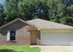 Foreclosed Home in Edwards 39066 1230 CEMETERY RD - Property ID: 4157868