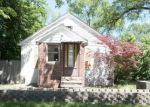 Foreclosed Home in Livonia 48150 10740 WAYNE RD - Property ID: 4159462