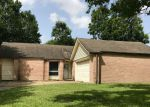 Foreclosed Home in Pearland 77581 3101 GREEN APPLE DR - Property ID: 4163269