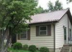 Foreclosed Home in Winchester 37398 105 7TH AVE SW - Property ID: 4192074