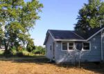 Foreclosed Home in Centralia 62801 1127 MEADOWLARK LN - Property ID: 4204324