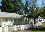Foreclosed Home in Gladstone 97027 420 W CLARENDON ST - Property ID: 4207491