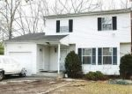 Foreclosed Home in Brentwood 11717 257 AMERICAN BLVD - Property ID: 4208393
