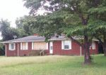 Foreclosed Home in Snow Hill 28580 689 TITUS MEWBORN RD - Property ID: 4211646