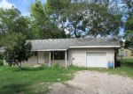 Foreclosed Home in League City 77573 1902 1/2 BEAUMONT ST - Property ID: 4213463