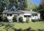 Foreclosed Home in Southfield 48075 19396 HILTON DR - Property ID: 4217176