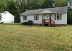 Foreclosed Home in Blackstone 23824 825 NOTTOWAY AVE - Property ID: 4218962