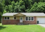 Foreclosed Home in Elizabethton 37643 1212 THOMAS BLVD - Property ID: 4220870