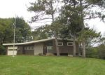 Foreclosed Home in Davenport 52804 9 WAVERLY CT - Property ID: 4224139