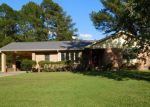 Foreclosed Home in Kinston 28504 2807 GRAHAM DR - Property ID: 4224848