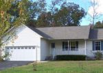 Foreclosed Home in Crossville 38572 4013 CHICA RD - Property ID: 4225196