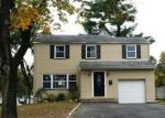 Foreclosed Home in Livingston 7039 32 E HARRISON PL - Property ID: 4231780