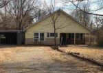 Foreclosed Home in Wichita 67204 2750 N COOLIDGE AVE - Property ID: 4233694