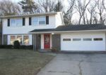 Foreclosed Home in Gary 46403 8301 HICKORY AVE - Property ID: 4234821