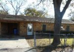 Foreclosed Home in Seguin 78155 405 SHORT AVE - Property ID: 4235245