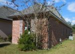 Foreclosed Home in Denham Springs 70726 7353 ESTELLE DR - Property ID: 4239519