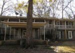 Foreclosed Home in Jeanerette 70544 4910 CHITIMACHA TRL - Property ID: 4246762