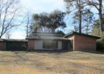 Foreclosed Home in Bastrop 71220 1640 GLADNEY DR - Property ID: 4248081