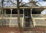 Foreclosed Home in Effingham 29541 910 ROUNDTREE RD - Property ID: 4249427