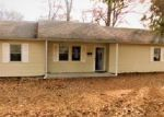 Foreclosed Home in Benton 62812 1011 E CENTER ST - Property ID: 4249980