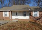 Foreclosed Home in Clarksville 37042 283 RUE LE MANS DR - Property ID: 4251034