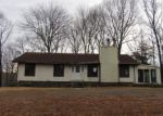 Foreclosed Home in East Haddam 6423 70 RAY HILL RD - Property ID: 4253420