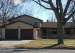 Foreclosed Home in Crystal Lake 60014 149 WELLINGTON DR - Property ID: 4256682