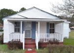 Foreclosed Home in Suffolk 23434 832 BATTERY AVE - Property ID: 4257015