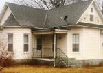 Foreclosed Home in Sorento 62086 403 S EAST ST - Property ID: 4257079