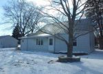 Foreclosed Home in Waterloo 50703 725 LONGFELLOW AVE - Property ID: 4258502
