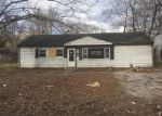 Foreclosed Home in East Saint Louis 62206 14 LOUISE LN - Property ID: 4258546