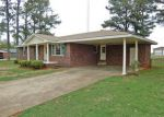 Foreclosed Home in Muscle Shoals 35661 201 JAMES ST - Property ID: 4258772