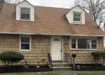 Foreclosed Home in Bay Shore 11706 273 4TH AVE - Property ID: 4261327