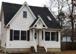 Foreclosed Home in Shirley 11967 509 NEIGHBORHOOD RD - Property ID: 4261420