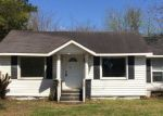 Foreclosed Home in Burgaw 28425 210 W SATCHWELL ST - Property ID: 4261555