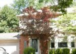 Foreclosed Home in Grosse Pointe 48236 470 LA BELLE RD - Property ID: 4262625